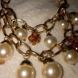 Beautiful pearl bobble necklace with gold accents
